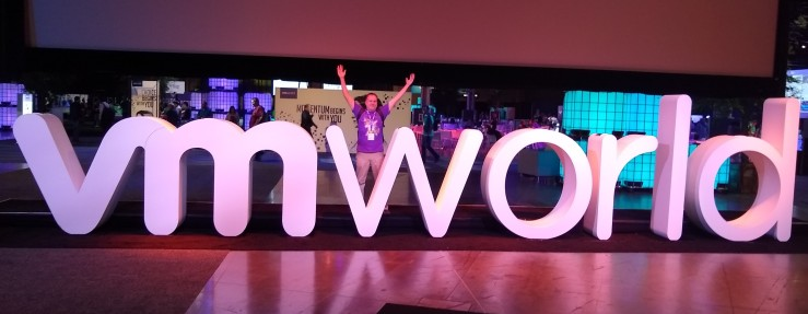 Rob in vmworld sign.jpg